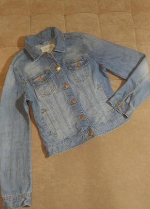 Джинсовая куртка denim, укороченная, голубого цвета с потёртостями, р.10