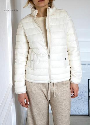 Легкая стеганая водонепроницаемая куртка от zara