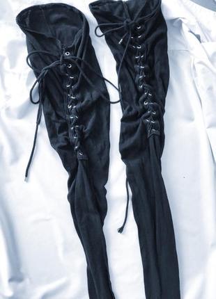 Крутые чулки со шнуровкой переплетами