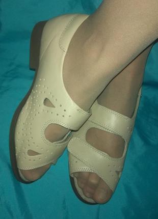 Новые кожаные босоножки cosyfeet на очень широк ногу р 37