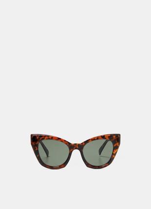 Трендові окуляри zara