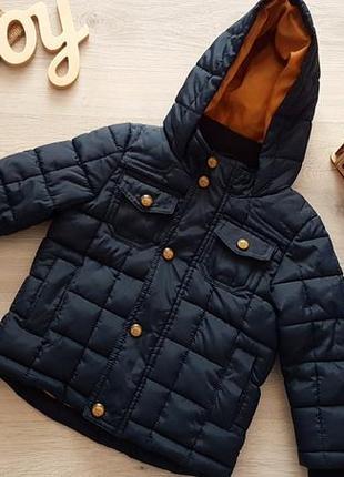 Очень красивая и теплая куртка на мальчика 1-1.5 года,как новая