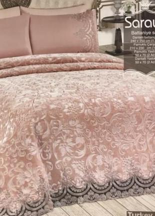 Оригинальный набор постельного белья с изящным велюровым пледом с французским кружевом