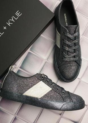 Kendall + kylie оригинал темно-серые кеды с глиттером бренд из сша10 фото
