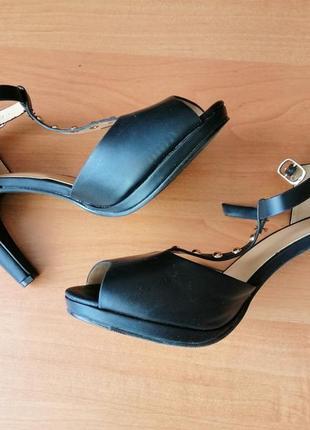 Туфлі босоніжки / туфли босоножки