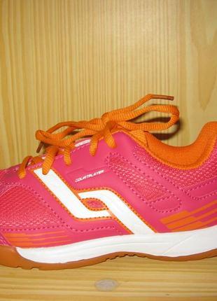 """Спортивные кроссовки для девочки р.33 """"pro touch """" , новые, из германии."""