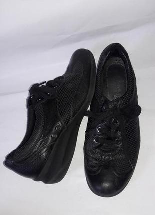 Туфли спортивные  footglove 39размер по стельке 25-25.5см