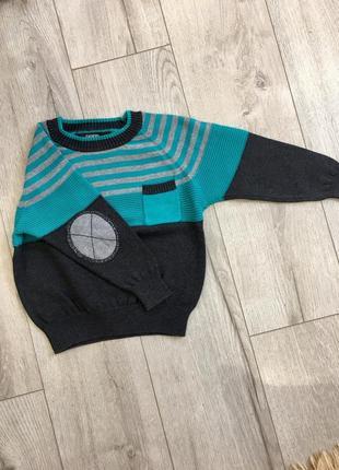 Продам свитерок на мальчика на 1-1,5 года