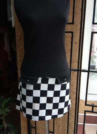 Платье черно-белое с квадратами италия