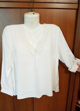 Элегантная белая блузка размера 48-50