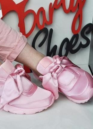 Пудровые кроссовки кеды с бантами