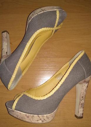 Удобные туфли на пробковой подошве
