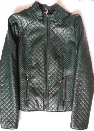 Зеленая деми куртка
