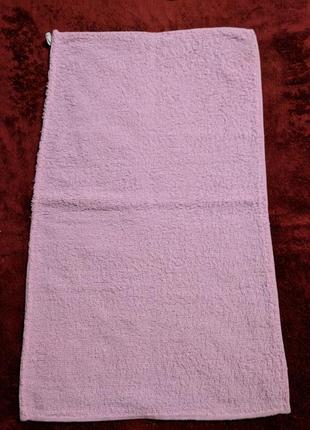 Розовое махровое полотенце-салфетка