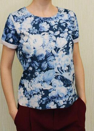 Блузка, футболка с цветочным принтом house!
