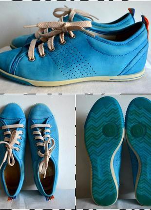 Ecco  яркие кожаные кроссовки размер 35-36 ,23см по стельке