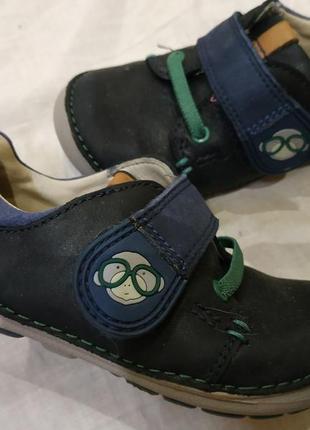 Туфельки clarks из натуральной кожи на 22-23размер