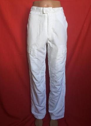 Белые спортивные брюки на сетчатой подкладке