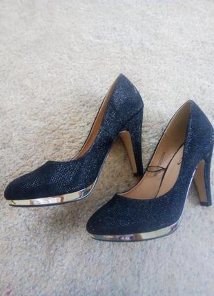 Новые супер туфли vrs 37р
