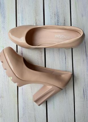 Туфли бежевые новые. цена снижена! дешевле опта