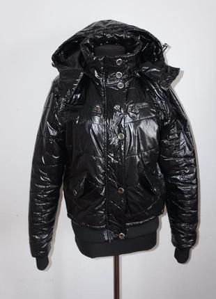 Стильная куртка дутая лаковая болонья