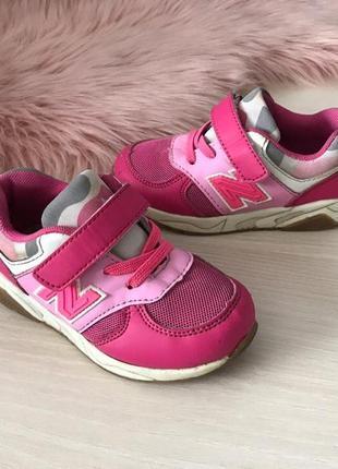 Легкие кросовки для девочки