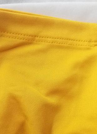Очень красивый,базовй гольф в рубчик-водолазка,потрясающий лимонный цвет3