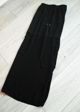 Шикарная шифоновая юбка с высокой талией на резинке и длинными разрезами по бокам