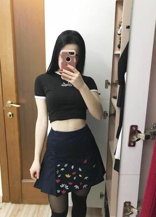 Плиссированная короткая юбка adidas оригинал