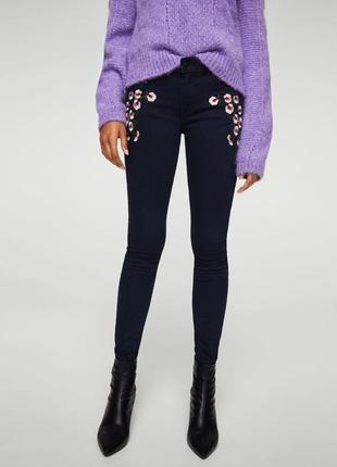 Узкие джинсы с вышивкой mango 34