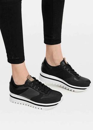 Новые повседневные кроссовки