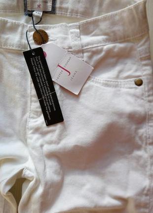 Стильные белые джинсы для девочек