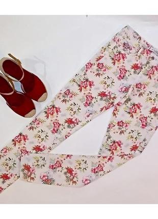 Летние джинсы в цветочек! bershka! размер 36!