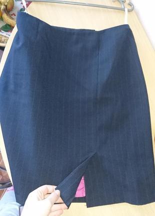 Шикарная деловая юбка на шелковой подкладке doroti  perkins