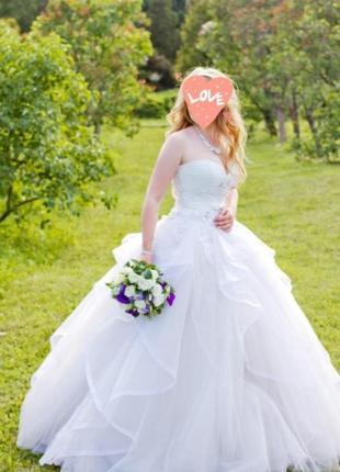 Свадебное платье от laura style с ручной вышивкой. состояние нового! не венчанное!