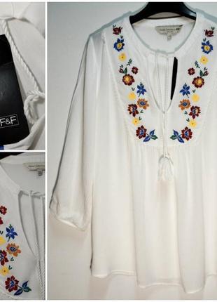 Стильная воздушная белая блуза с вышивкой вискоза