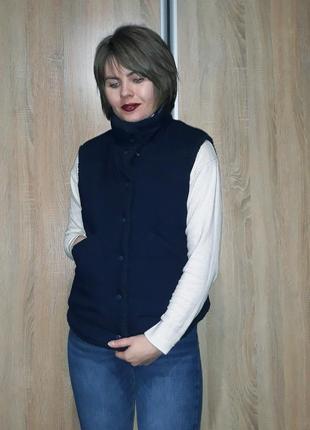 Шикарная темно-синяя теплая жилетка на флисе gap