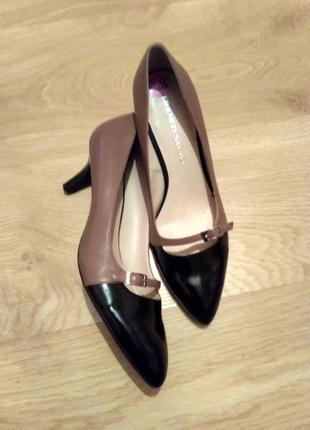 Класичні жіночі туфлі для немаленької ніжки Franco Sarto 76a6e02fdd7cb