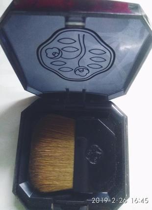 Компактная пудра c эффектом сияния «7 цветов» от shiseido2