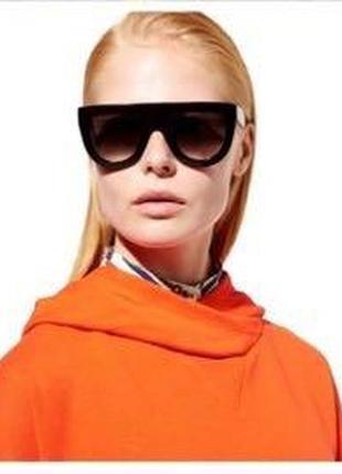 Солнцезащитные очки celine. оригинал.
