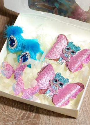 Красивый подарочный набор украшений в коробке