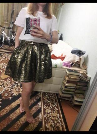Пышная золотая юбка солнце из парчи