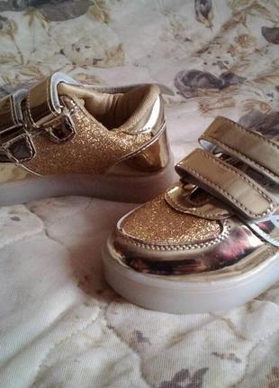 Супер обув для дівчинки