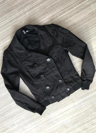 Черная куртка бомбер h&m