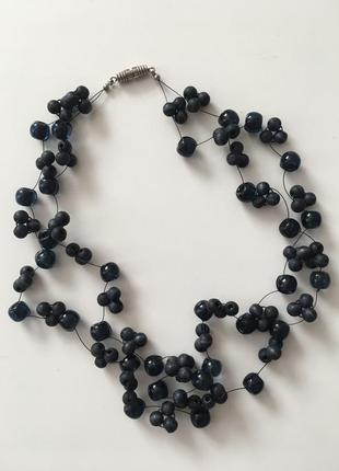 Красивое ожерелье, колье, бусы