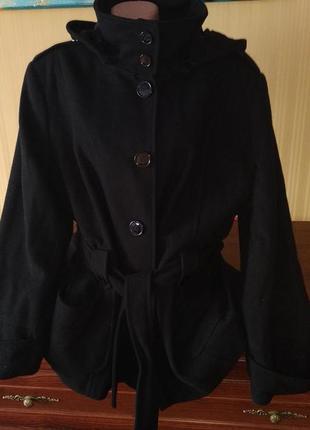 Черное драповое пальто пиджак с капюшоном