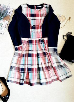 Красивое темно синее платье в розовую клетку