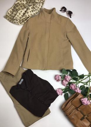 Короткий шерстяной пиджак цвета кемел warehouse