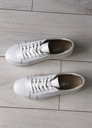 Кеды белые кожаные3 фото