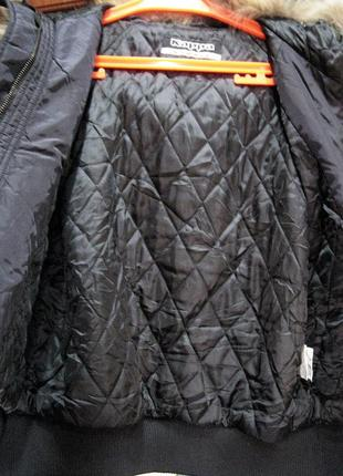 Kappa (оригинал) италия  короткая куртка  с капюшоном с мехом енота6 фото